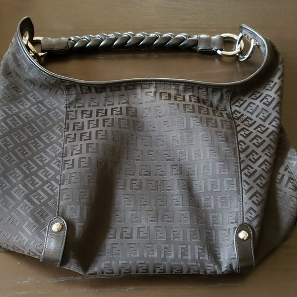 Fendi Handbags - Fendi black Weave Handle Bag